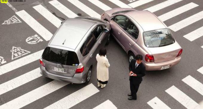 Cosa-fare-in-caso-di-incidente-stradale-risarcimento-danni-indennizzo-diretto-680x365
